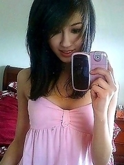 Sweet teen babe loves to make sexy selfies