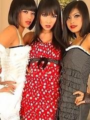 Asian Lesbian threesome gets hot!