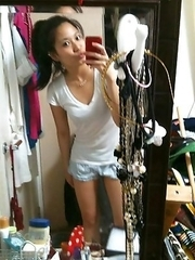 Singaporean babe strips naked while posing