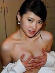 Sexy amateur Asian babes