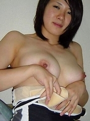 Nice selection of an amateur Singaporean hottie who got naughty